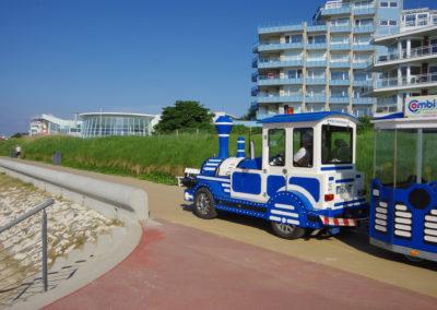 Jan-Cux-Strandbahn vor dem AHOI-Bad